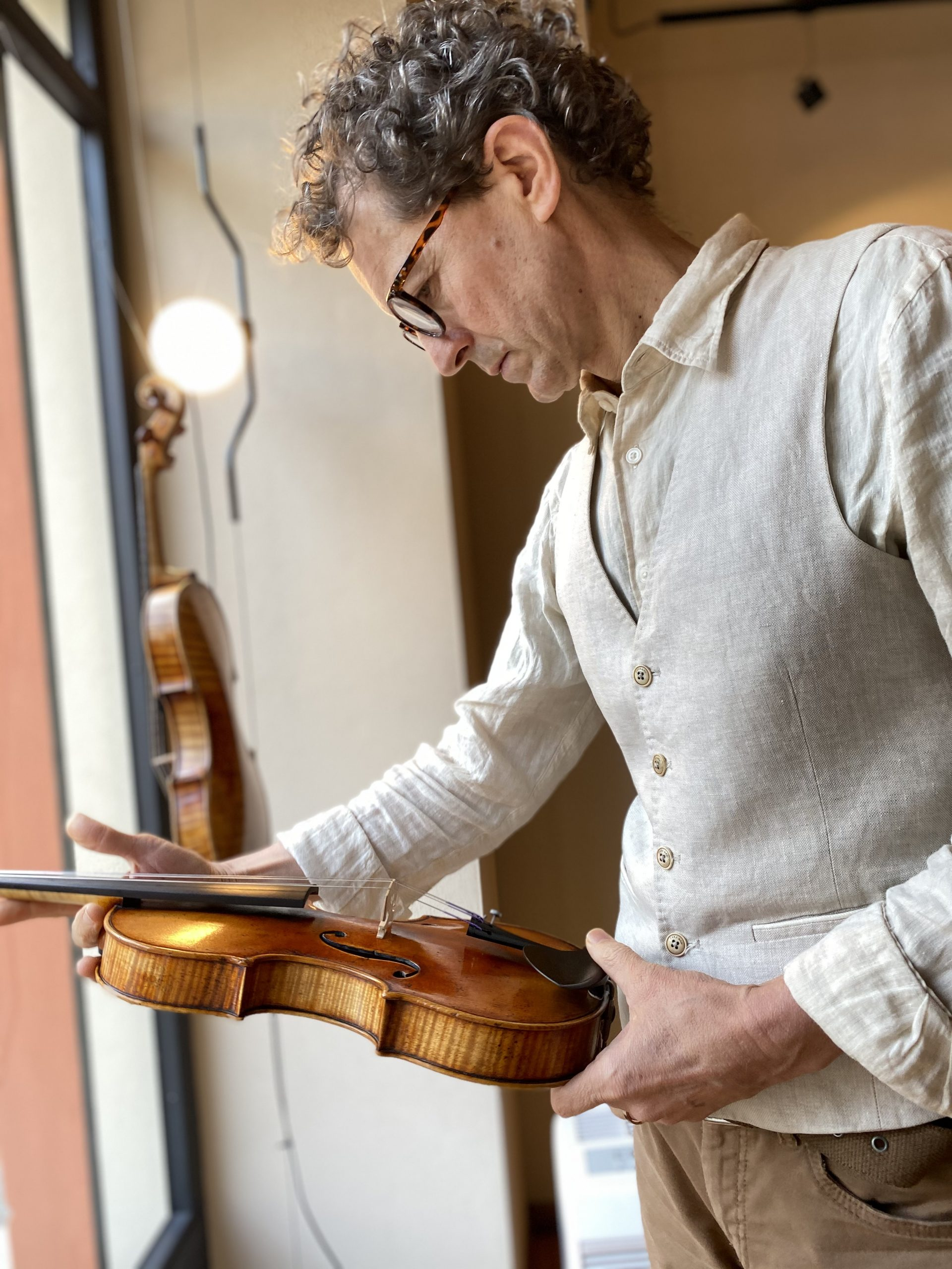 Buying a Violin? Here's How to Pick the Right One!